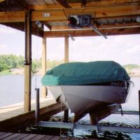 boathouse boat lift