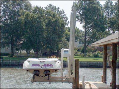 dual piling boat lift